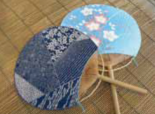 Making Boshu uchiwa(round fan)